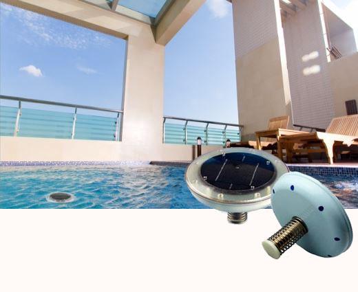 Ioniseur d'eau solaire pour piscines